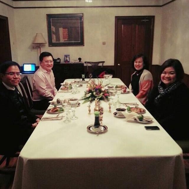 ท่านเอกอัครราชทูต ขันทอง อุนากูล ได้กรุณาเชิญผมไปรับประทานอาหารเย็นที่ทำเนียบทูต ท่านกำลังจะครบวาระดำรงตำแหน่ง เอกอัครราชทูตไทยประจำประเทศเนปาล และจะเดินทางไปเป็นเอกอัครราชทูตไทยประจำ ประเทศฮังการี ในเร็ว ๆ…